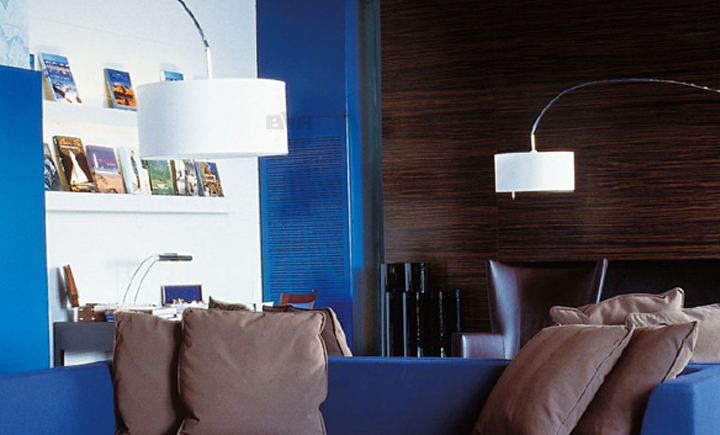 bvh modern ligner roset mama floor lamp thibault desombre. Black Bedroom Furniture Sets. Home Design Ideas